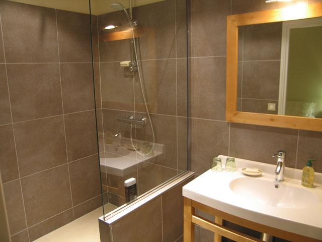 Chambres d 39 h tes ch teau de la plante - Salle de bains dans chambre ...